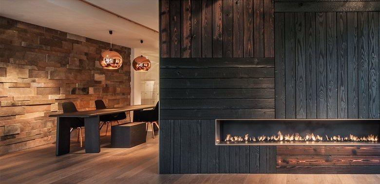 Особенности применения обожженного дерева в интерьере – новое слово в оформлении домов